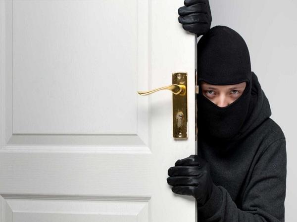 Mơ thấy trộm vào nhà điềm báo gì?