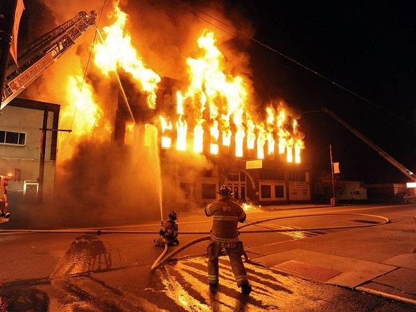 Mơ thấy cháy nhà mang điềm báo gì?