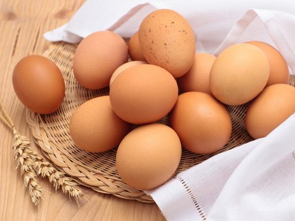 Nằm mơ thấy trứng gà điềm báo gì? Đánh con số nào?