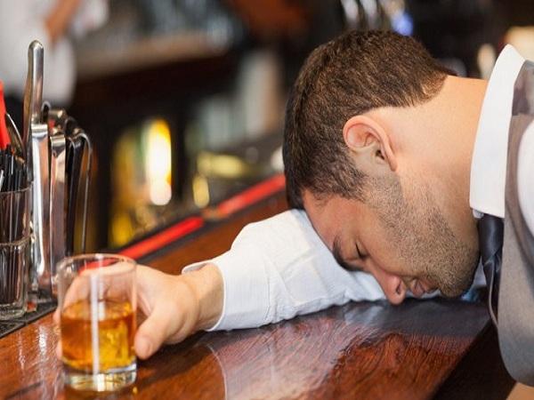 Mơ thấy say rượu có điềm báo gì? Chiêm bao đánh số mấy?